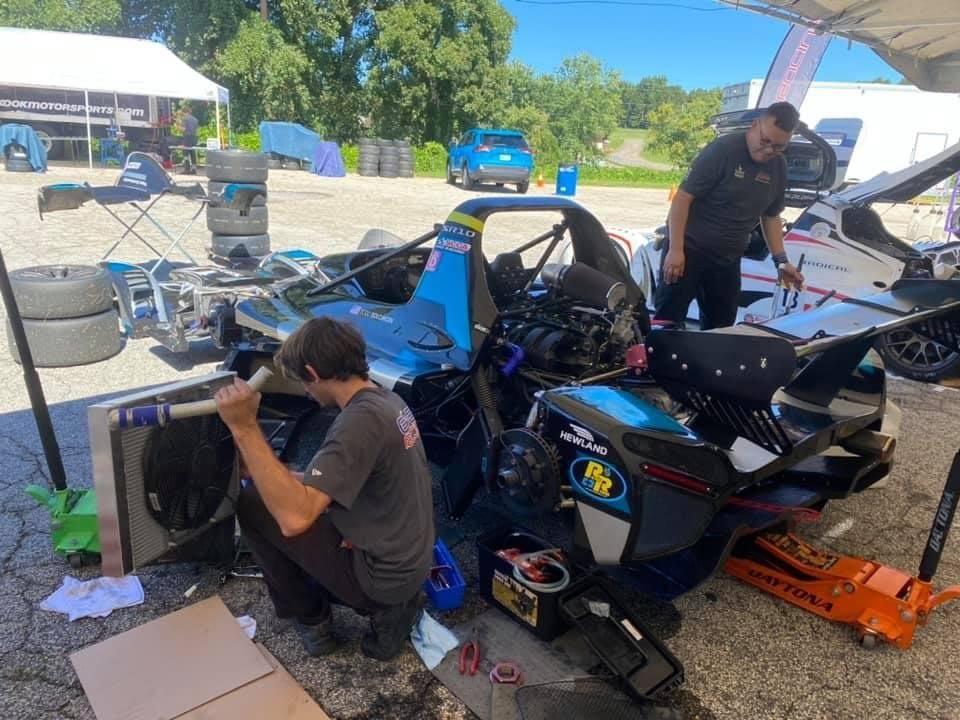 Esses racing radical sr10 dealer radiator broken repair road atlanta